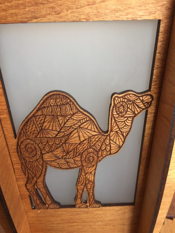 Camel table lamp